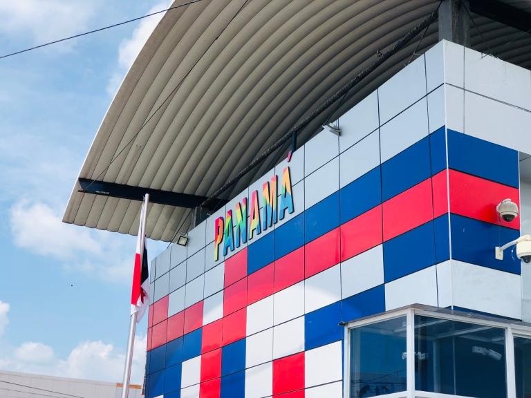 Panama Building 4